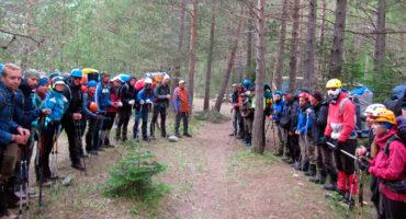 Построение отделений инструкторов перед выходом из базового лагеря